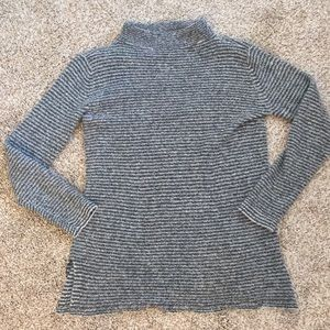 Old Navy sweater tee gray stripes